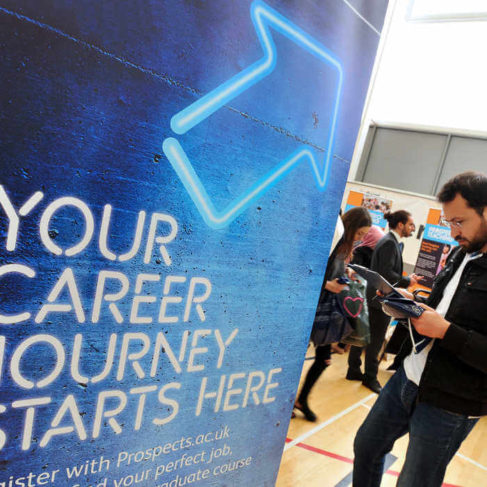 A Global Challenges student at a student careers fair