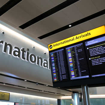 International_Arrivals_sign_-Heathrow_8514