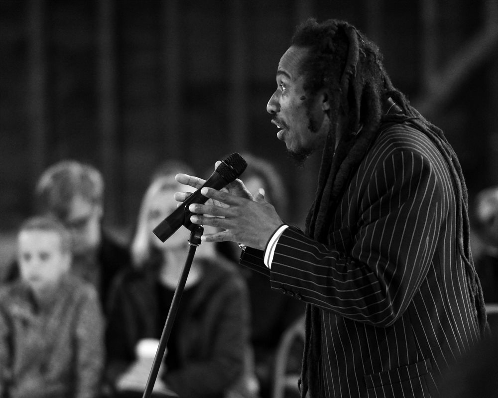 how do the writers benjamin zephaniah Benjamin zephaniah is known as a performance poet, but that's only one of  if i' m writing a novel, play or film i'll work on a computer, it i writing poetry i tend to.