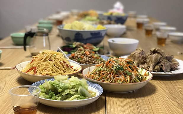 image of Home-cooked meals hit the spot for Chinese students, study suggests