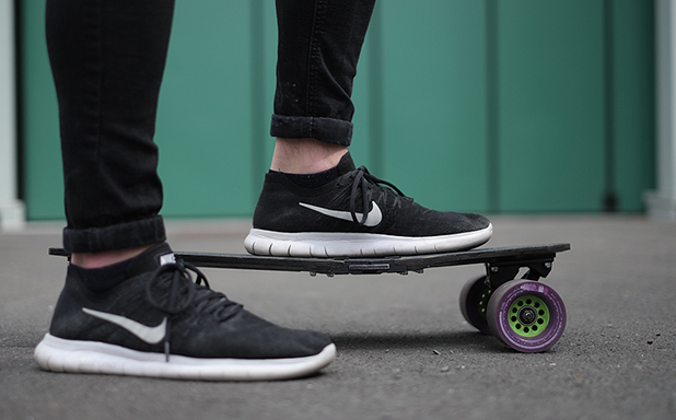 image of Folding Electric Skateboard aims to solve 'last mile' problem