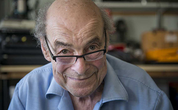 image of Professor Heinz Wolff, scientist and TV presenter, dies aged 89