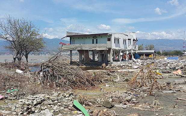 image of Deadly Indonesian tsunami was unleashed by landslide in Palu Bay, study suggests