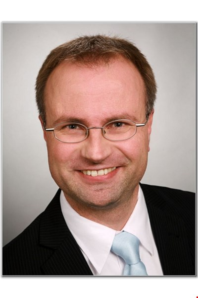 Dr Andre Szameitat