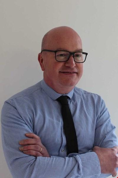 Dr David Bell