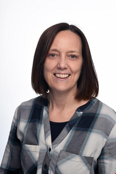 Miss Sara Horne