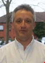 Dr Sean Holmes