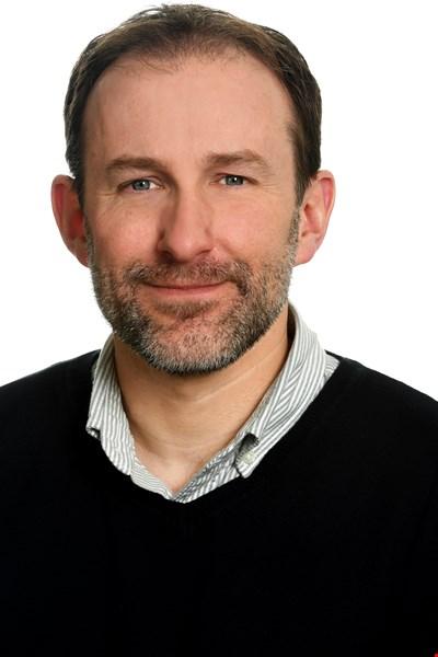 Dr Simon Weaver