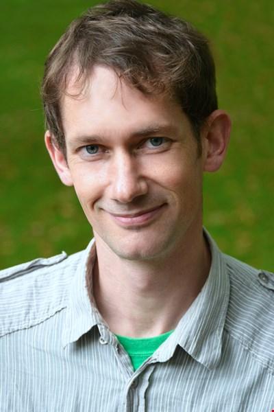Dr Steven Smith