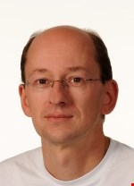 Dr Thomas Hoefken