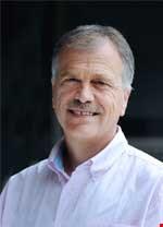 Dr Vassil Girginov