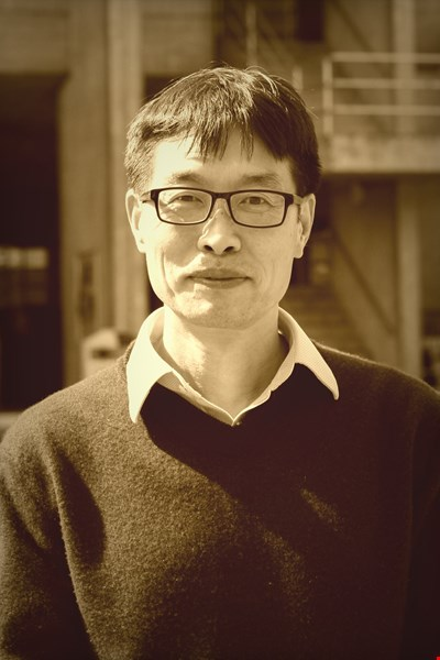 Dr Yongmin Li