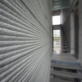 Low carbon concrete for modern methods of construction