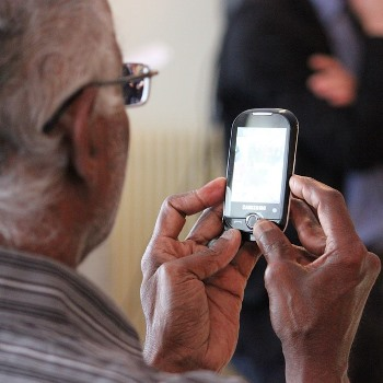 Experiencing a digital world in later life