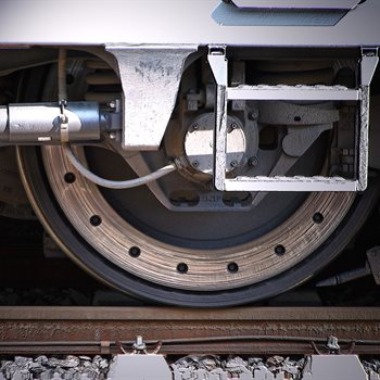 Lab-based prototype for automated train fluid servicing